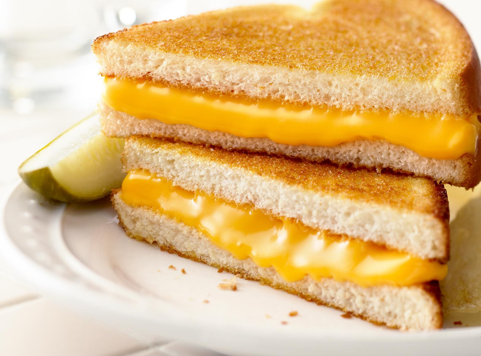 grilled cheese essay An electric frying pan, 2 slices of bread (preferably white), (softened) butter, and some cheese of your choice step 1 plug in and pre-heat the electric frying pan to 400 degrees fahrenheit.