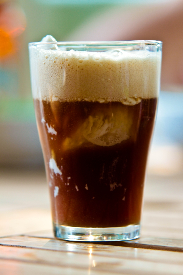 August 6 is National Root Beer Float Day | Foodimentary - National ...