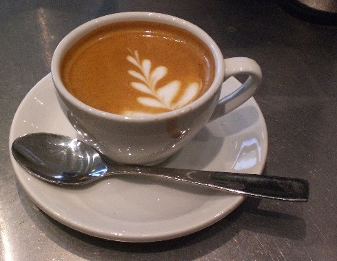 Macchiato_as_being_served_at_Kaffebrenneriet_Torshov,_Oslo,_Norway_2_600x600_100KB