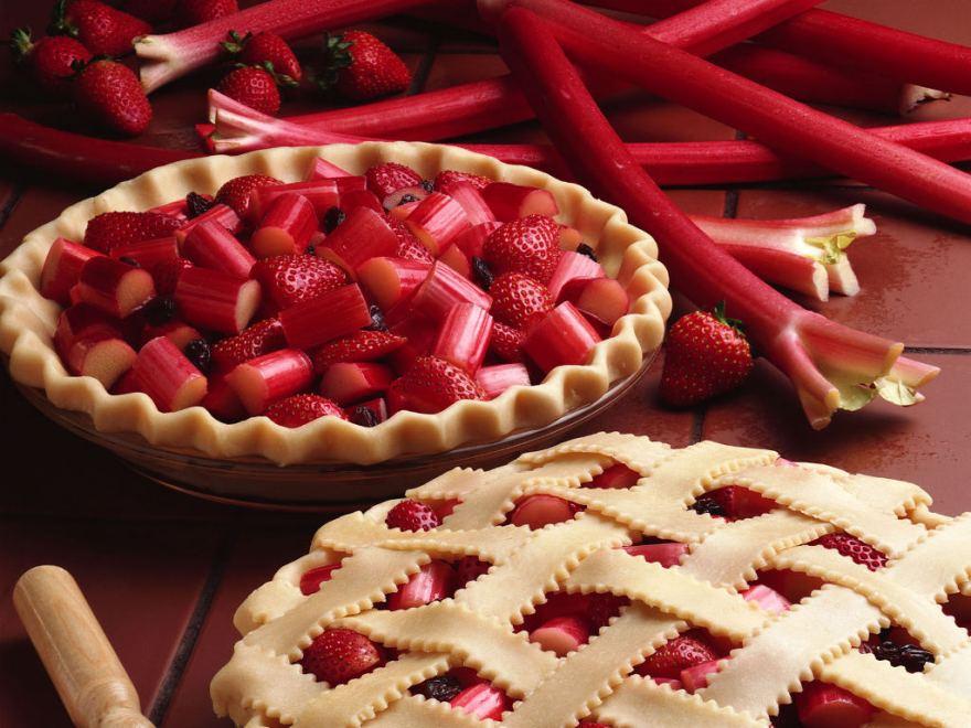 National strawberry rhubarb pie day