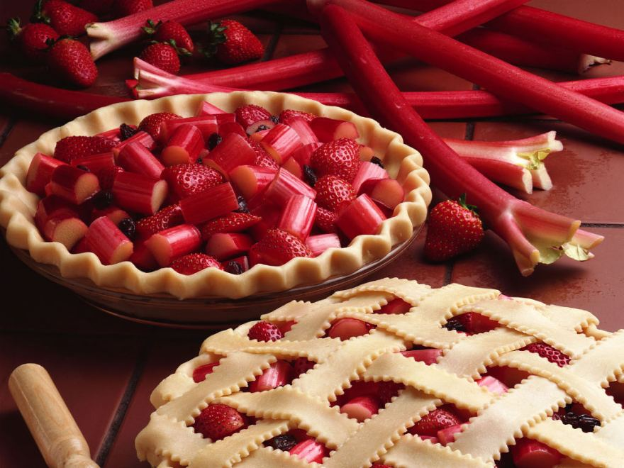 National strawberry rhubarb pie day