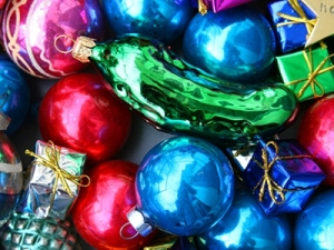 house_pickleornament_featured2