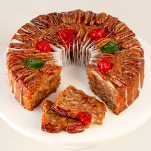 15-deluxe-fruitcake-sliced