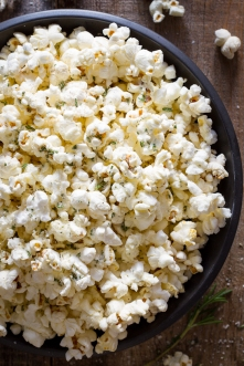 how-to-make-air-popped-popcorn-on-louisemellor-com_-2