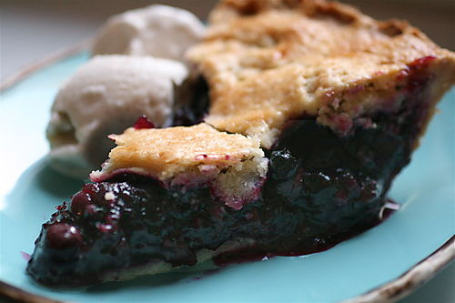 best_blueberry_pie_with_foolproof_pie_dough