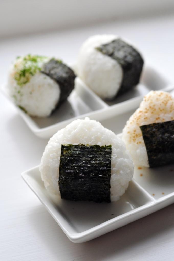 japanese_rice_balls_28onigiri29
