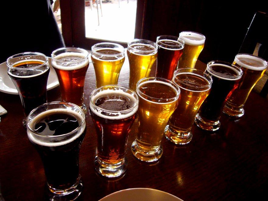 sampling_beers_in_style_at_spinnakers