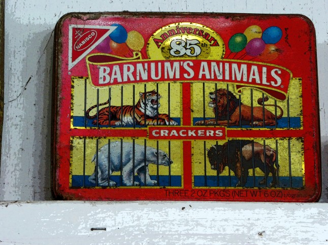 vintage-animal-cracker-box