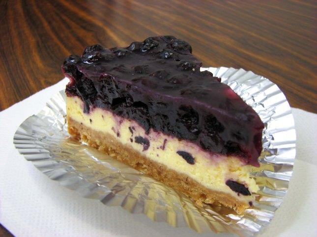 芝士蛋糕配蓝莓汁