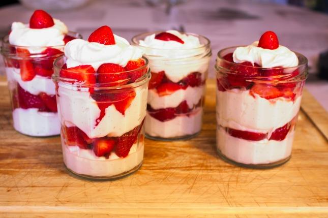 草莓甜点红果面食水果